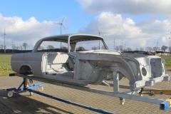 Mercedes-280-sec-restauration-entlacken-sandstrahlen.11