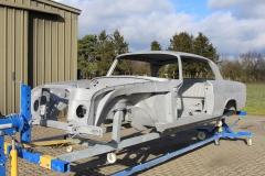 Mercedes-280-sec-restauration-entlacken-sandstrahlen.12