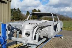 Mercedes-280-sec-restauration-entlacken-sandstrahlen