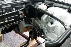 Mercedes-W116-Motorraum-restauriert (2)