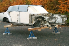 Mercedes-W116-Rohkarosse-sandstrahlen
