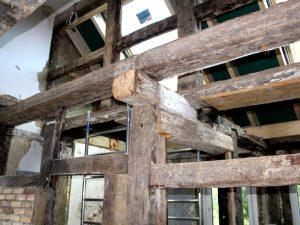 fachwerk-wohnbereich-restaurieren-sandstrahlen-feinstrahlen-hannover-fachwerk_vorhe