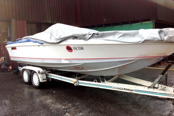 Sportboot entlacken